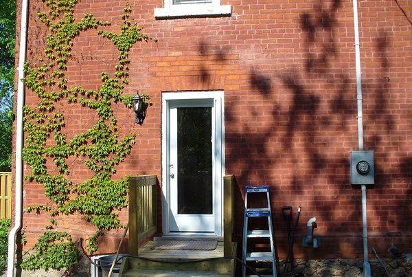 Photo of installed door