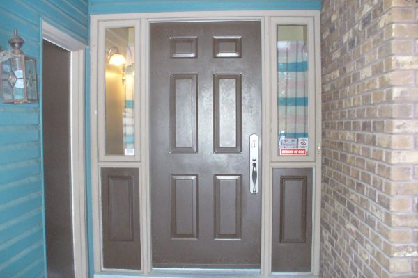 Photo of pre-existing entry door