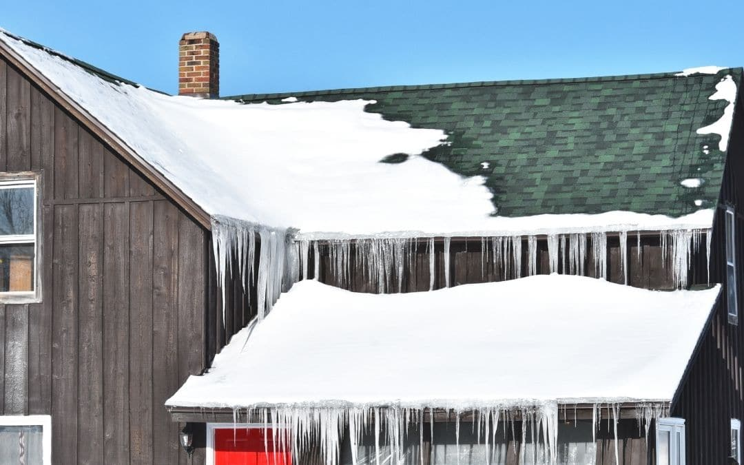 Signs of Ice Dams - Protect Eavestroughs Against Cold Weather Damage - Weaver Exterior