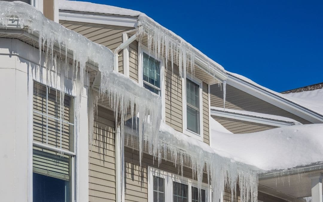 Spotting-Winter-Damage-siding-your-home-in-winter-Weaver-Exterior-Barrie