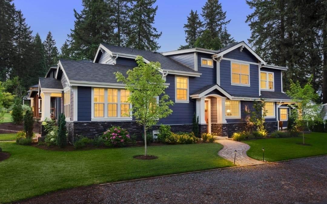 dark-elegant-colours-exterior-home-design-trends-Weaver-Exterior-Barrie