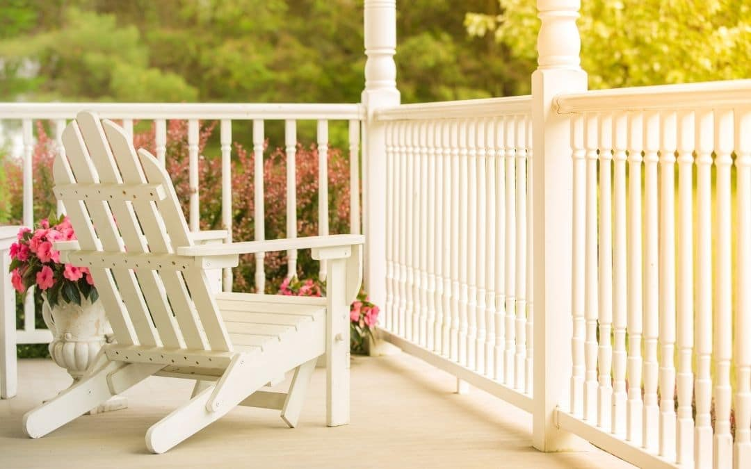 come-sit-on-the-porch-Weaver-Exterior-Remodeling