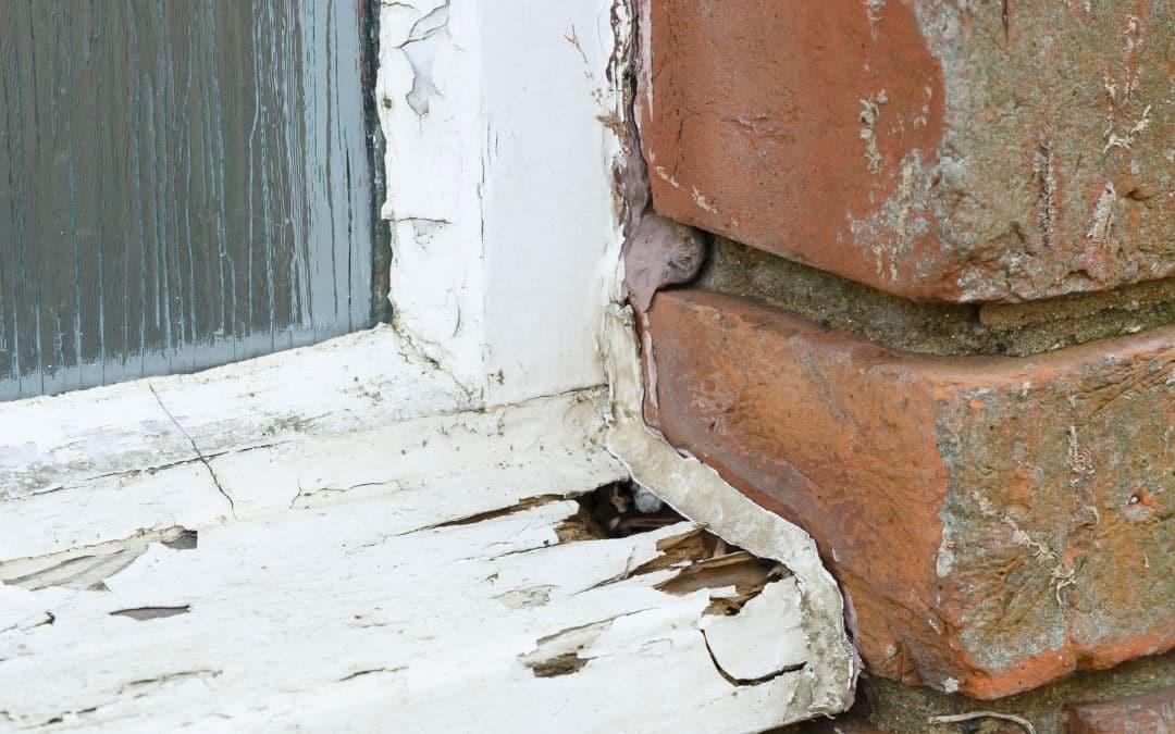window-disrepair-on-resale-home-Weaver-Exterior