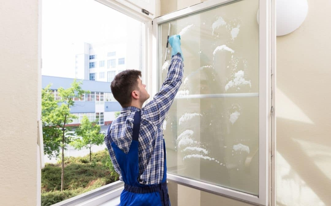 cleaning-windows-clean-outside-surface-from-inside-Weaver-Exterior-Barrie