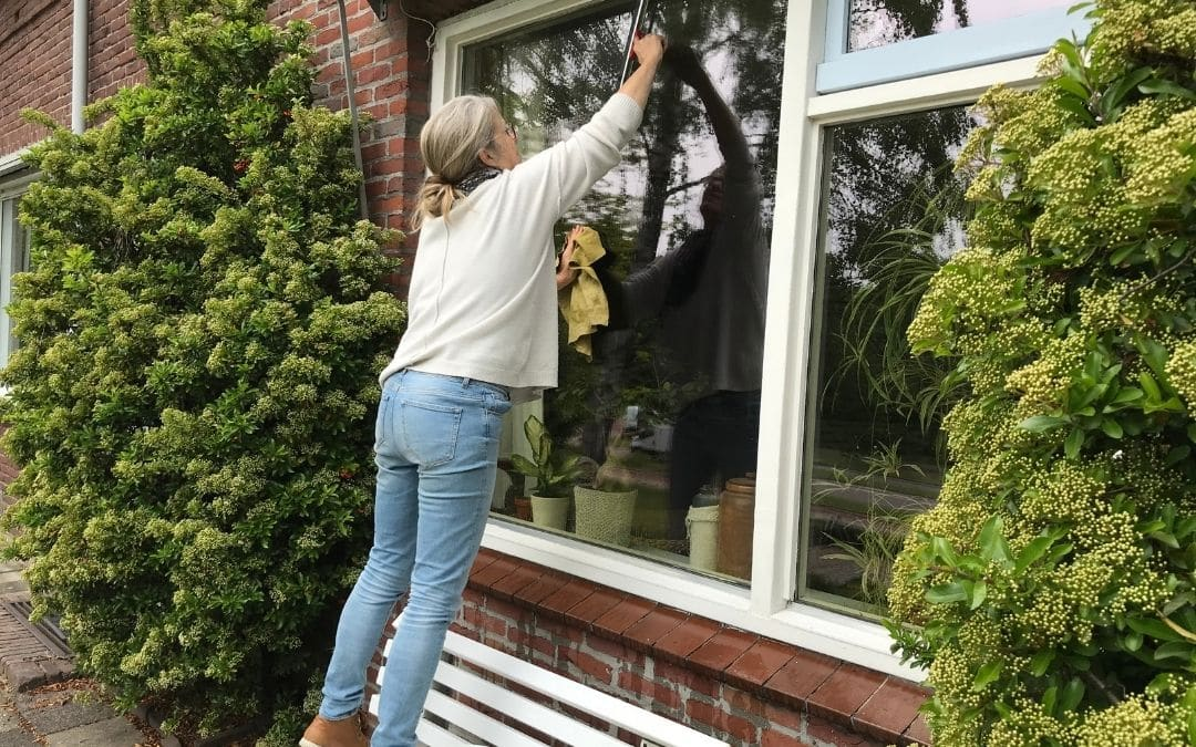 cleaning-windows-old-Weaver-Exterior-Remodeling